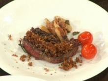 Steak vom Wasserbüffel mit Schalottenkruste und Schupfnudeln - Rezept
