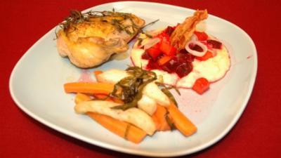 Poulardenbrust, Rote-Bete-Polenta und Estragon-Wurzelgemüse - Rezept