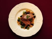 Rosa gebratenes Kalbsfilet auf Bohnengemüse und Nudeln (Susi Erdmann) - Rezept