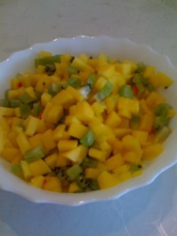 Hähnchenburritos mit Mango-Salsa und Pico de Gallo - Rezept - Bild Nr. 2