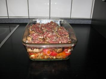 gefüllte Champignos auf Parika-Zucchinigemüse mit Mozzarella überbacken - Rezept