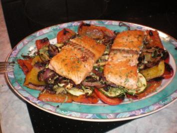Gebratenes Gemüse mit Lachs - Rezept