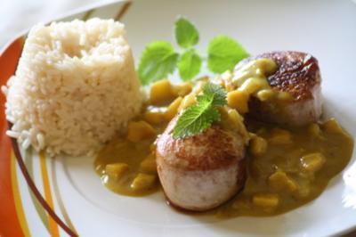 Schweinemedaillons in Kokos-Curry-Sauce - Rezept