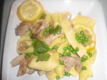 Breite Bandnudeln mit Thunfisch und Erbsen - Rezept