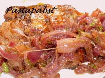 Mariniertes Nackensteak mit Zwiebelsalat - Rezept