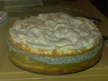 Stachelbeer-Mohnvanillepudding-Torte mit Beißerhaube - Rezept