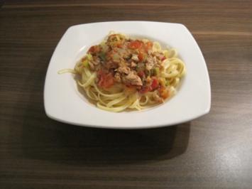 Blitzrezept: Nudeln mit Tomaten und Thunfisch - Rezept