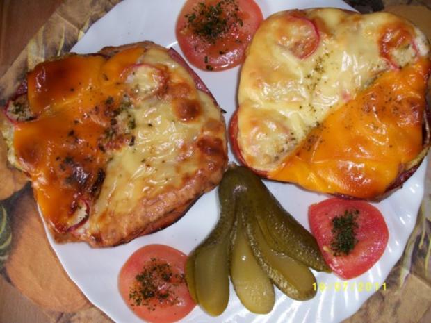Große Weissbrotscheiben  Schinken Salami Gemüse zwei Käse Überbacken. - Rezept - Bild Nr. 6