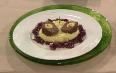 Kleiner Falscher Hase mit Zwiebelsoße und Kartoffelpüree (Thomas Nicolai) - Rezept