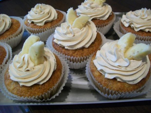 bananen cupcakes mit honig frosting rezept. Black Bedroom Furniture Sets. Home Design Ideas
