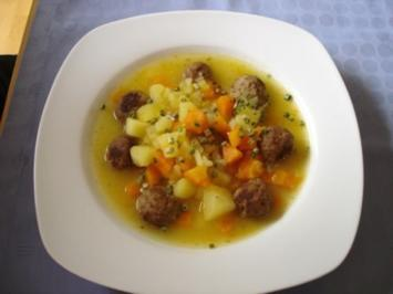Gemüsetopf mit Hackbällchen - Rezept
