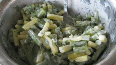 Grün-Gelber Bohnensalat mit Ziegenjoghurt-Zitrone-Dressing - Rezept
