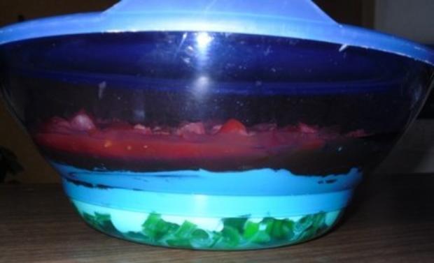 Erfrischender Schichtsalat mit Salsa - Rezept - Bild Nr. 2