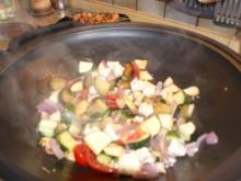 Wok-Gemüse mit Erdnuss-Soße - Rezept