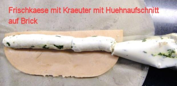 Kraeuter-Mager-Frischkaese in Brick auf Granatapfel-Fenchelsalat und Speck-Croutons - Rezept - Bild Nr. 3