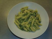 Penne mit Spinat und Edelpilzkäse - Rezept