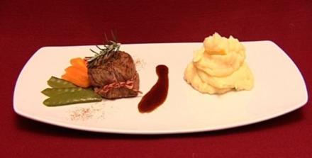 Argentinisches Rinderfilet mit Beilagen ( Anne Mühlmeier) - Rezept