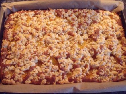 Eierlikör-Streusel-Obstkuchen - Rezept