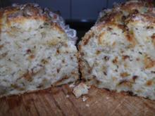 Buttermilchbrot mit Röstzwiebeln - Rezept