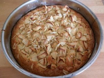 Rezept: Schneller Apfelkuchen mit gestiftelten Mandeln