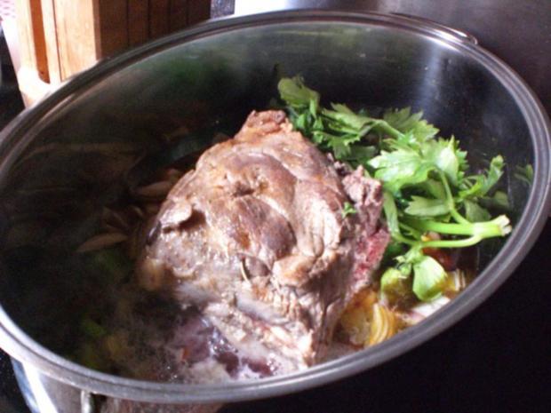 Wildschweinrücken mit zweierlei Gartengemüse und Kartoffelgratin - Rezept - Bild Nr. 3