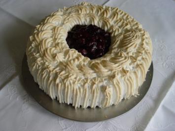 Kirsch – Baiser – Torte mit Rührteig - Rezept