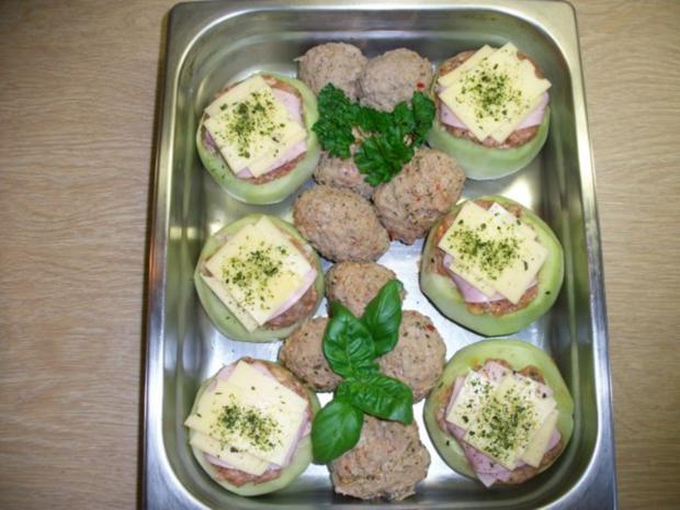 Kohlrabi gefüllt mit Hachfleisch und  Kochschinken Käse Haube...Salzkartoffeln u.Soße... - Rezept - Bild Nr. 3