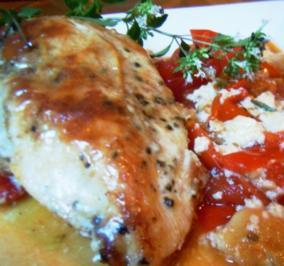 Gorgonzola-Hähnchenbrust im Tomatenbett - Rezept