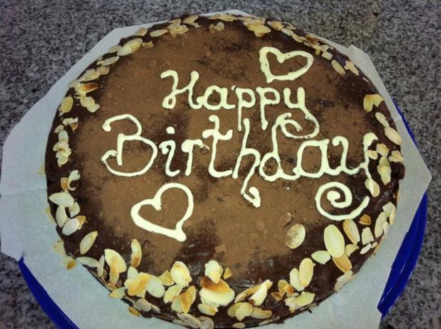 Schokoladen-Torte mit Johannisbeer-Gelée - Rezept - Bild Nr. 2
