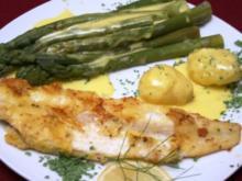 Gebratene Seezunge in Zitronen-Pfeffer-Eihülle, dazu frischer Spargel und neue Kartoffeln - Rezept