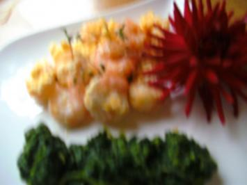 Garnelenschwänze mit Ei.. und Spinat - Rezept