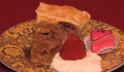 Tennessee-Bourbon-Pekannuss-Torte mit Schlagsahne (Shawne Fieldings) - Rezept