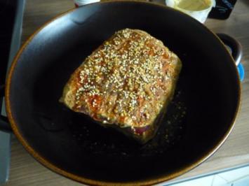 Schwein : Schweinebraten mit Senf-Nusskruste aus dem Zaubertopf - Rezept