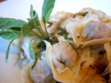 Tortelloni mit Pfifferlingsfüllung und Salbeibutter - Rezept