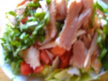 Mediterraner Salat, mit Joghurt-Dressing - Rezept