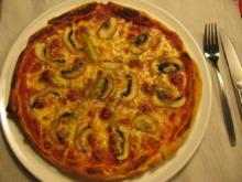 Pizza Mista (scharf) Vegetarisch mit Champignons & Peperonis - Rezept