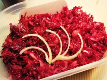 Rezept: Roher Krautsalat - heute mal rot ...