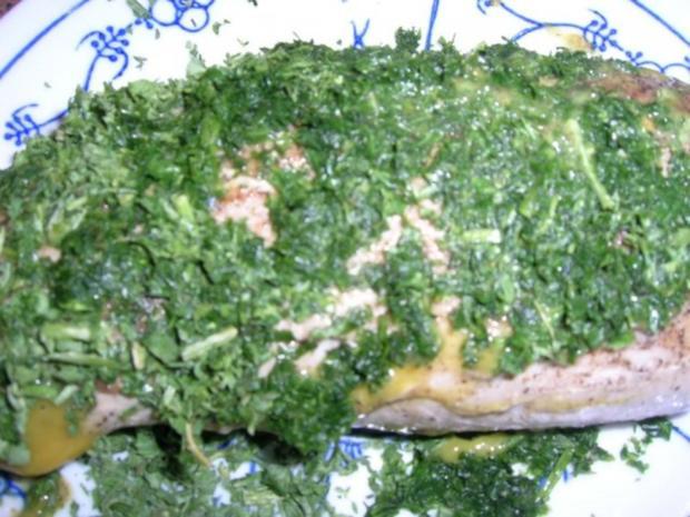 Rosa pochiertes Schweinefilet im Kräutermantel auf Pfifferling-Gnocchi Ragout - Rezept - Bild Nr. 6