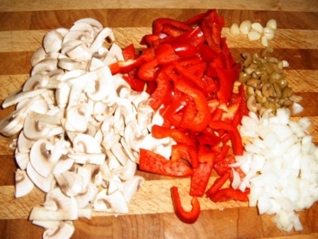 Hähnchenbrust mit Paprika-Champignon-Olivensoße - Rezept - Bild Nr. 4