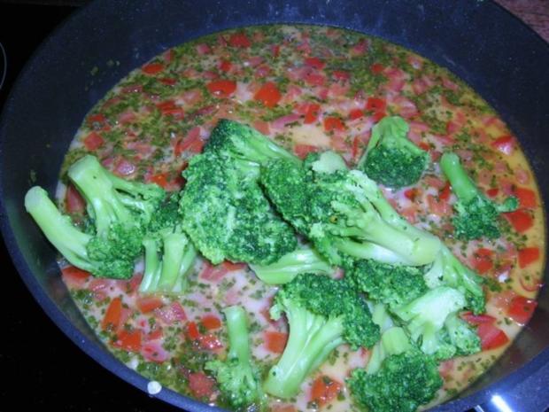 Conchiglie mit Venusmuscheln, Flusskrebsen und Broccoliröschen - Rezept - Bild Nr. 7