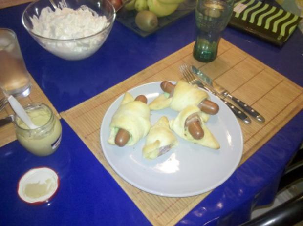 Snack: Hotdog im Schlafrock - nach einer Inspiration von AnnaundGuenni - Rezept - Bild Nr. 11
