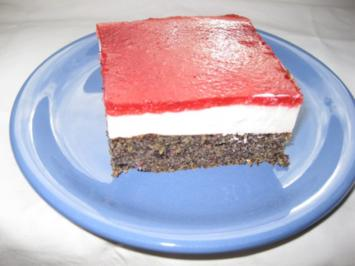 Mohnschnitten mit Joghurtcreme und Erdbeergelee - Rezept