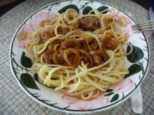 Gulasch : Zwiebelgulasch - aus dem Backofen - auf Spaghetti - Rezept