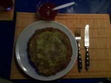 Vegetarisch: Kräuter-Zucchini-Kartoffelpuffer mit Cranberrypüree - Rezept