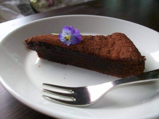 """Schokoladenkuchen mit weichem """"Kern"""" - Rezept"""