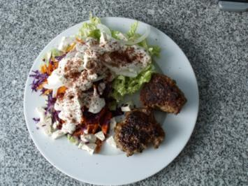 Köfte mit Salat - Rezept