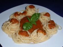 Scharfe Tomatensoße mit Spaghetti - Rezept