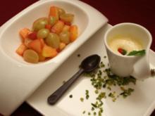 Zabaione mit flambierten und beschwipsten Früchten - Rezept