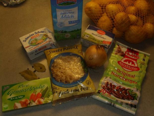 Nürnberger Bratwürstl mit Sauerkraut und Kartoffelpürre - Rezept - Bild Nr. 2