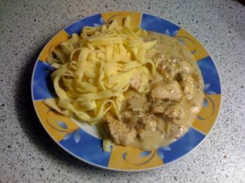 Putenragout in Gorgonzola-Sauce - Rezept